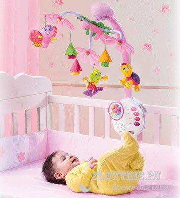Игрушка над кроваткой ребенка